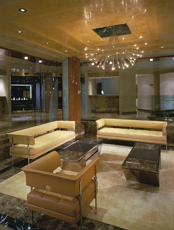 120-Addison-lobby
